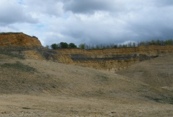 01Broadway Quarry_New Quarry Strata.jpg